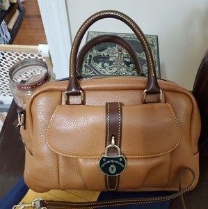 Dooney and Bourke small satchel 🎁
